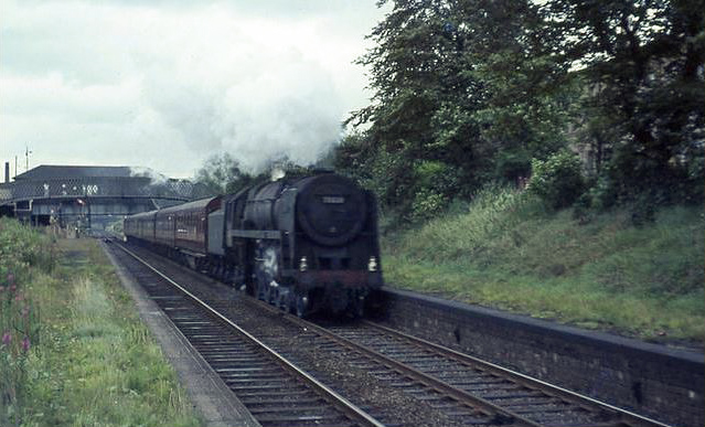Britannia 70038 Robin Hood passing Strathbungo with Carlisle train on 31/7/1964